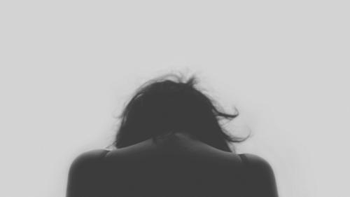 grief-sadness-woman-widowhood